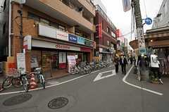 駅前の商店街は充実しています。(2013-03-29,共用部,ENVIRONMENT,1F)