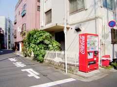 正面玄関の様子。(2006-05-31,周辺環境,ENTRANCE,1F)