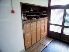 玄関に設置された靴箱(2006-05-31,周辺環境,ENTRANCE,1F)