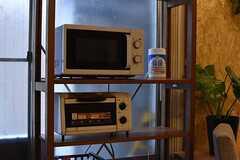 電子レンジとオーブントースターの様子。(2017-03-07,共用部,KITCHEN,1F)