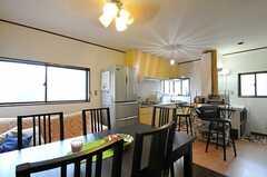 リビングとキッチンは同じ空間にあります。(2012-03-04,共用部,LIVINGROOM,2F)