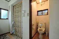 ウォシュレット付きトイレの様子。(2012-03-04,共用部,TOILET,2F)