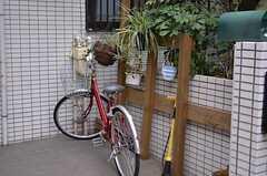 自転車置き場の様子。(2012-03-04,共用部,GARAGE,1F)