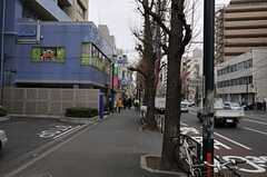 東京メトロ丸ノ内線・新中野駅前の様子2。(2012-03-04,共用部,ENVIRONMENT,1F)