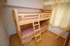 専有部の様子。撮影時はドミトリーでしたが、現在は下段ベッドのみで個室として運営されています。(103号室)(2008-10-14,専有部,ROOM,1F)