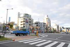 各線・中野坂上駅前の交差点の様子。(2011-10-31,共用部,ENVIRONMENT,1F)