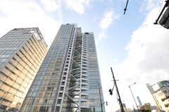 各線・中野坂上駅前の高層ビル。(2011-10-31,共用部,ENVIRONMENT,1F)