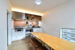 ダイニングの様子3。キッチンを併設しています。(2020-09-18,共用部,LIVINGROOM,3F)