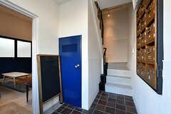 玄関から見た内部の様子。1階は土足で使用します。(2017-07-10,周辺環境,ENTRANCE,1F)