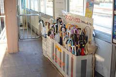 西武新宿線・沼袋駅では傘の無料貸し出しをしています。(2017-07-10,共用部,ENVIRONMENT,1F)