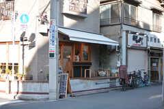近所には雰囲気のいいカフェがあります。(2019-11-21,共用部,ENVIRONMENT,1F)