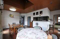 キッチン側にはカウンターがあります。(2011-07-20,共用部,LIVINGROOM,2F)