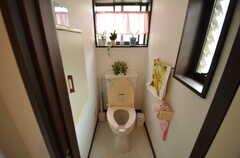 トイレの様子。(2015-04-21,共用部,TOILET,2F)