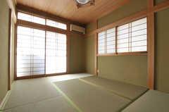 専有部の様子。和室です。(203号室)(2012-01-17,専有部,ROOM,2F)