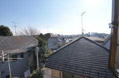 窓からの景色。遠くに新宿のビル群が見えます。(302号室)(2012-01-17,専有部,ROOM,3F)