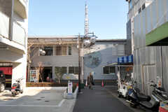 西武新宿線・沼袋駅近くには銭湯があります。(2012-01-17,共用部,ENVIRONMENT,3F)