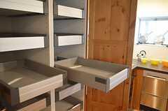 部屋ごとに分けられた食材などを置けるスペース。(2012-09-10,共用部,OTHER,2F)