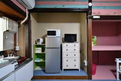 TVは番組を見ながら料理ができる位置。(102号室)(2019-08-29,専有部,ROOM,1F)