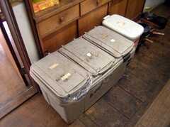 キッチンに設置されたゴミ箱(2005-06-09,共用部,OTHER,)