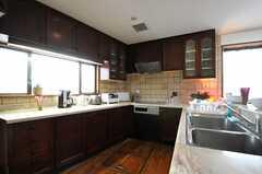 キッチンの様子。冷蔵庫はこれから設置するとのこと。(2012-01-23,共用部,KITCHEN,2F)