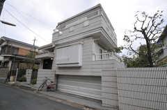 シェアハウスの外観。(2011-09-22,共用部,OUTLOOK,1F)