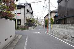 西武新宿線・都立家政駅からシェアハウスへ向かう道の様子。(2012-04-16,共用部,ENVIRONMENT,3F)