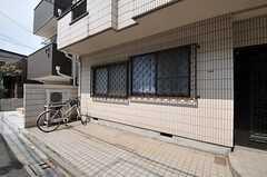 自転車置場の様子。(2012-04-17,共用部,GARAGE,1F)