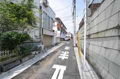 各線・東中野駅からシェアハウスへ向かう道の様子。(2012-04-17,共用部,ENVIRONMENT,1F)