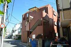 マンションの外観。2-3Fがシェアハウスです。(2015-07-14,共用部,OUTLOOK,1F)