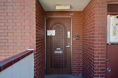 玄関の様子。(2015-07-14,周辺環境,ENTRANCE,2F)