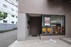 シェアハウスの正面玄関。(2011-08-01,周辺環境,ENTRANCE,1F)