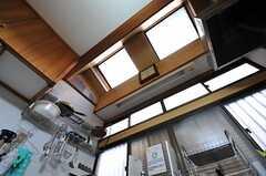 キッチンの天井は天窓になっています。(2013-01-07,共用部,KITCHEN,1F)