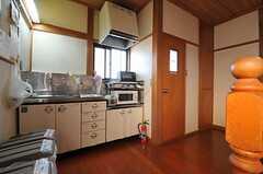 階段の目の前はミニキッチンです。(2013-01-07,共用部,OTHER,2F)