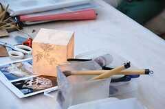 「まめむすびの会」の様子6。手すき紙でつくる、ランプシェードのワークショップも開催されました。(2013-11-16,共用部,PARTY,1F)