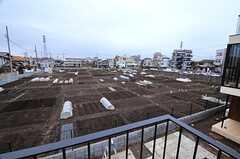 建物のとなりは畑です。(2014-03-14,共用部,OTHER,2F)