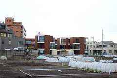シェアハウスへ向かう途中から、建物が見えてきます。(2014-03-14,共用部,ENVIRONMENT,1F)