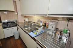 シェアハウスのキッチンの様子。(2009-10-16,共用部,KITCHEN,2F)