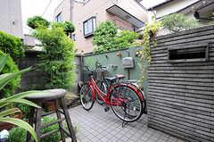 自転車置場の様子。(2010-06-09,共用部,GARAGE,1F)