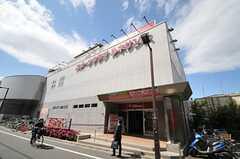 駅前のスポーツクラブと提携しているので、入居者さんは入会金不要で利用できるそう。(2011-07-26,共用部,ENVIRONMENT,1F)