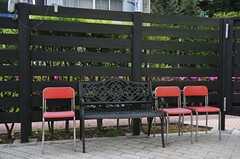 菜園脇のベンチ。(2013-05-02,共用部,OTHER,1F)