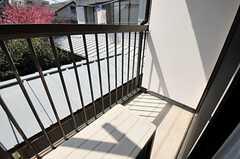 ベランダの様子。(205号室)(2012-04-12,専有部,ROOM,2F)