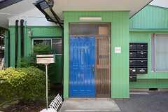 シェアハウスの正面玄関。(2014-07-17,周辺環境,ENTRANCE,1F)