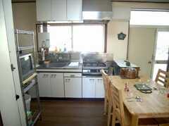 シェアハウスのキッチンの様子。(2007-11-22,共用部,KITCHEN,2F)