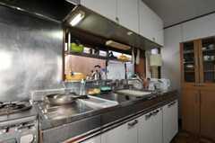 シェアハウスのキッチンの様子。(2011-02-03,共用部,KITCHEN,1F)