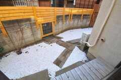 濡れ縁の様子。(101号室)(2011-02-03,専有部,ROOM,1F)