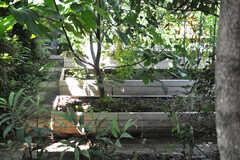 リビングから見た畑の様子。(2013-09-02,共用部,LIVINGROOM,1F)