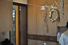 キッチンに飾られたドライフラワー。(2013-09-02,共用部,LIVINGROOM,1F)