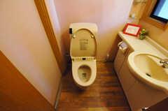 ウォシュレット付きトイレの様子。(2013-09-10,共用部,TOILET,1F)