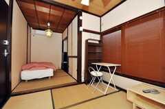 専有部の様子2。2間続きの和室。(104号室)(2010-01-11,専有部,ROOM,1F)