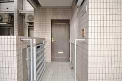 シェアハウスの正面玄関。(2009-05-19,周辺環境,ENTRANCE,1F)